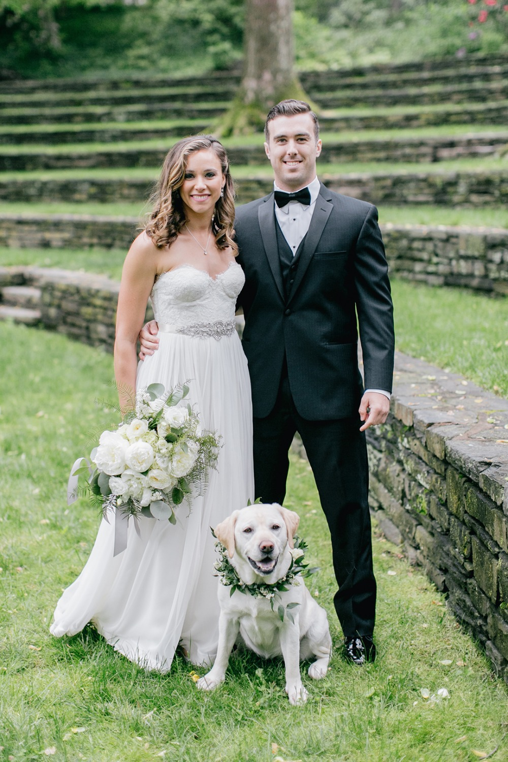Wedding pup photo idea