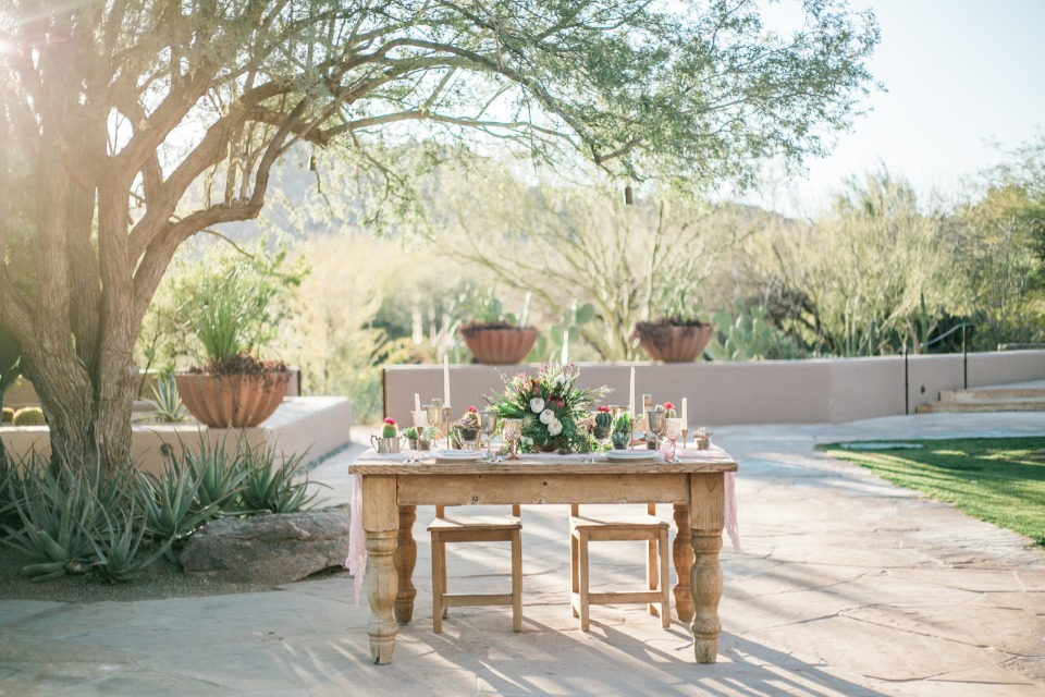sweetheart table with a desert theme