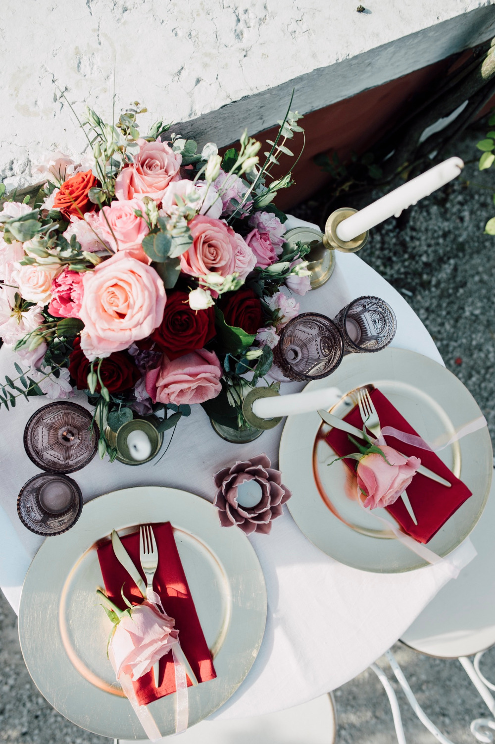 pink and red sweetheart table inspiration