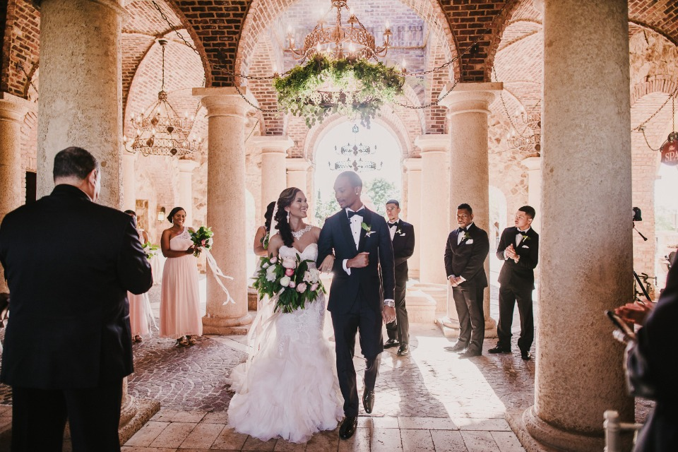 intimate wedding ceremony at Bella Collina