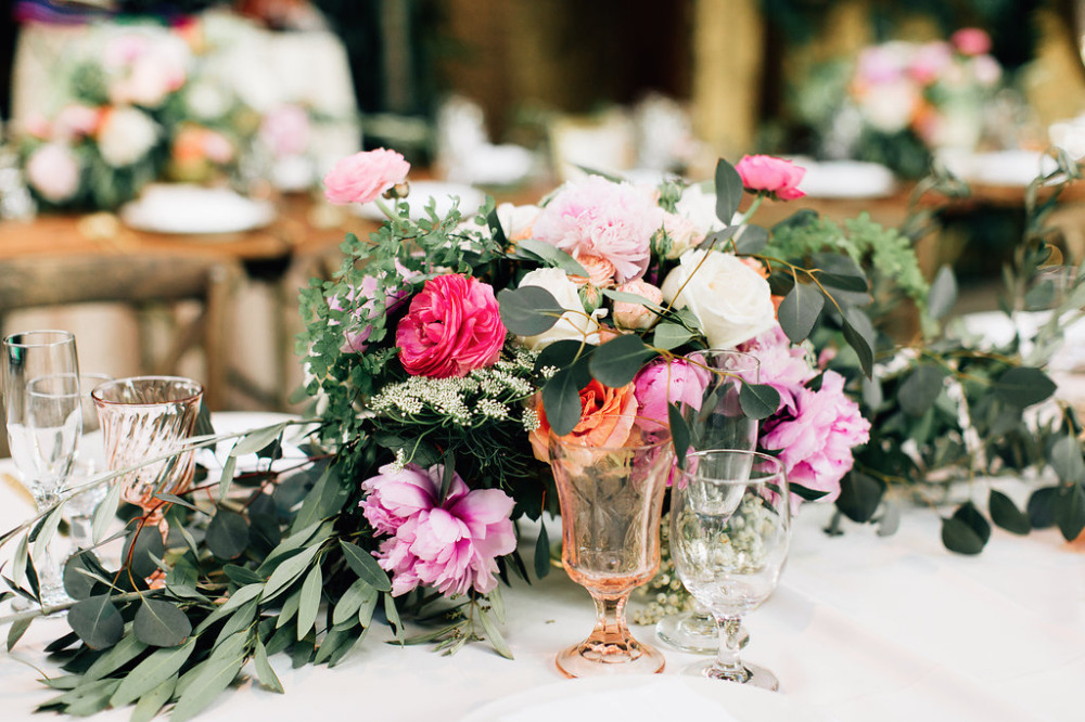 pretty floral table runner centerpieces