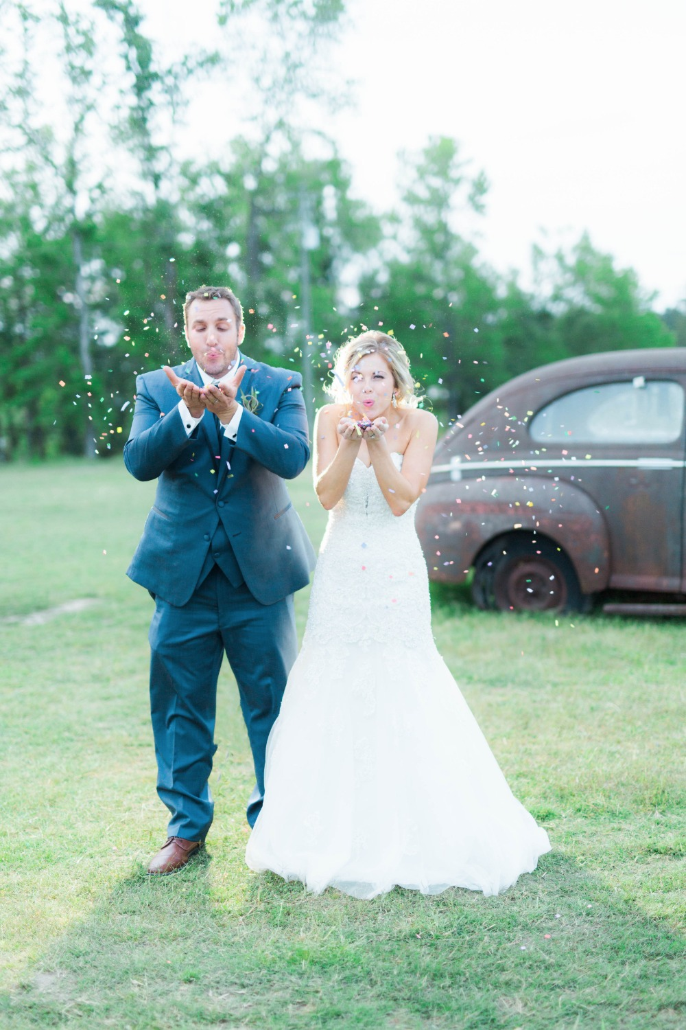 Cute confetti photo idea