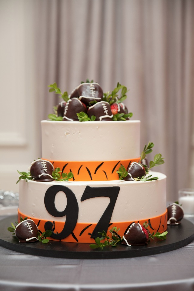 football themed grooms cake with chocolate dipped strawberry footballs