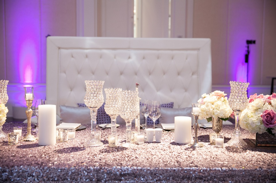 sweethearts table covered in glitter and glamour
