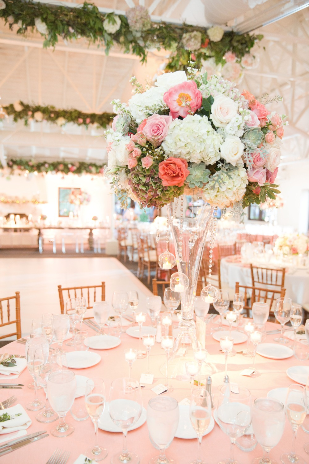 Tall centerpiece with blush details