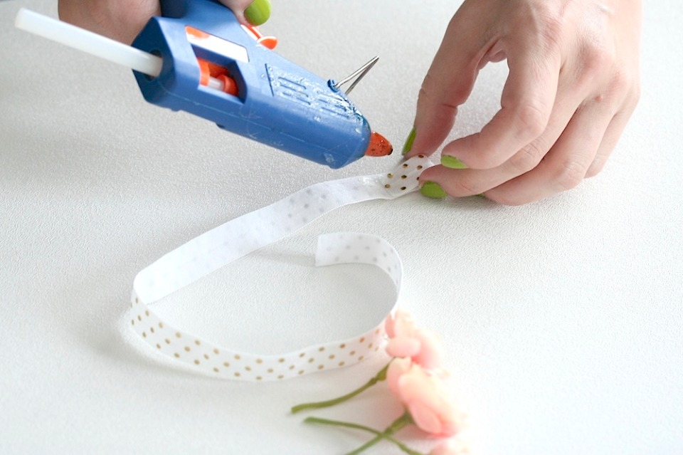 Glue the garter together