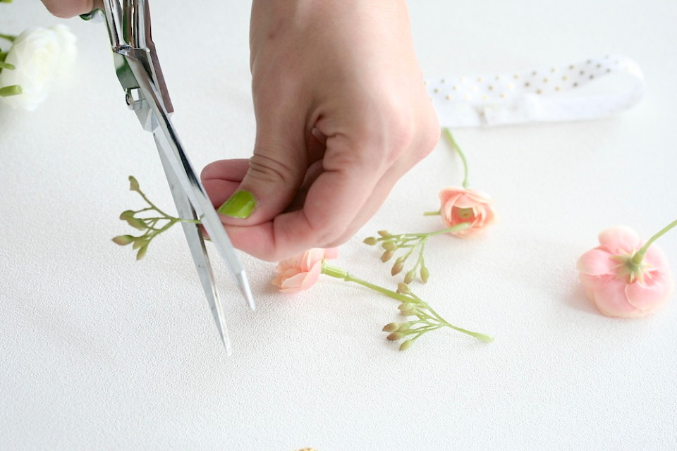 DIY NoSew wedding garter tutorial