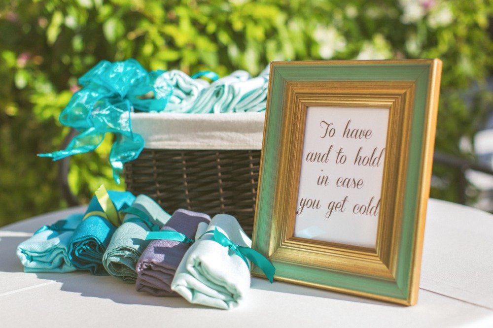 Wedding shawls for guests