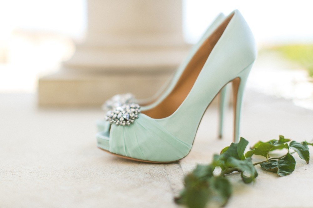 Mint Badgley Mischka peep toe pumps
