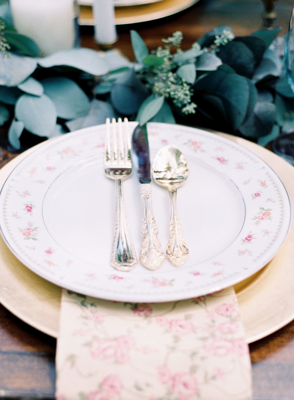 gold and pink wedding place setting