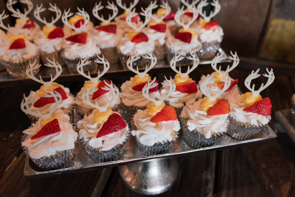 antler strawberry cupcakes