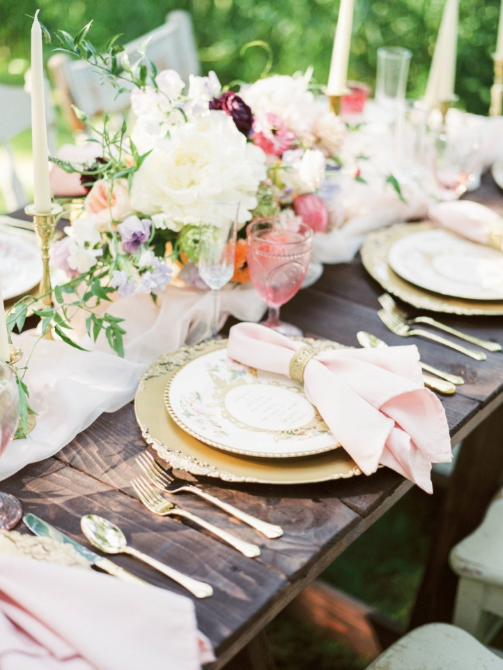 Whimsical gold and pink table decor