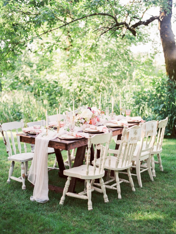 shabby chic garden table decor
