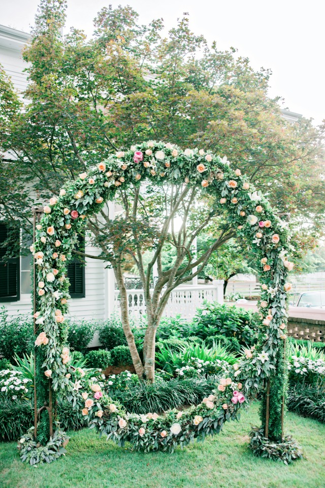 elegant flower ring wedding backdrop