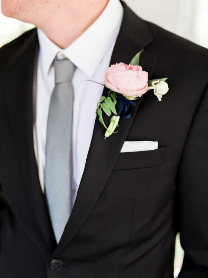 groom style in classic black and gray