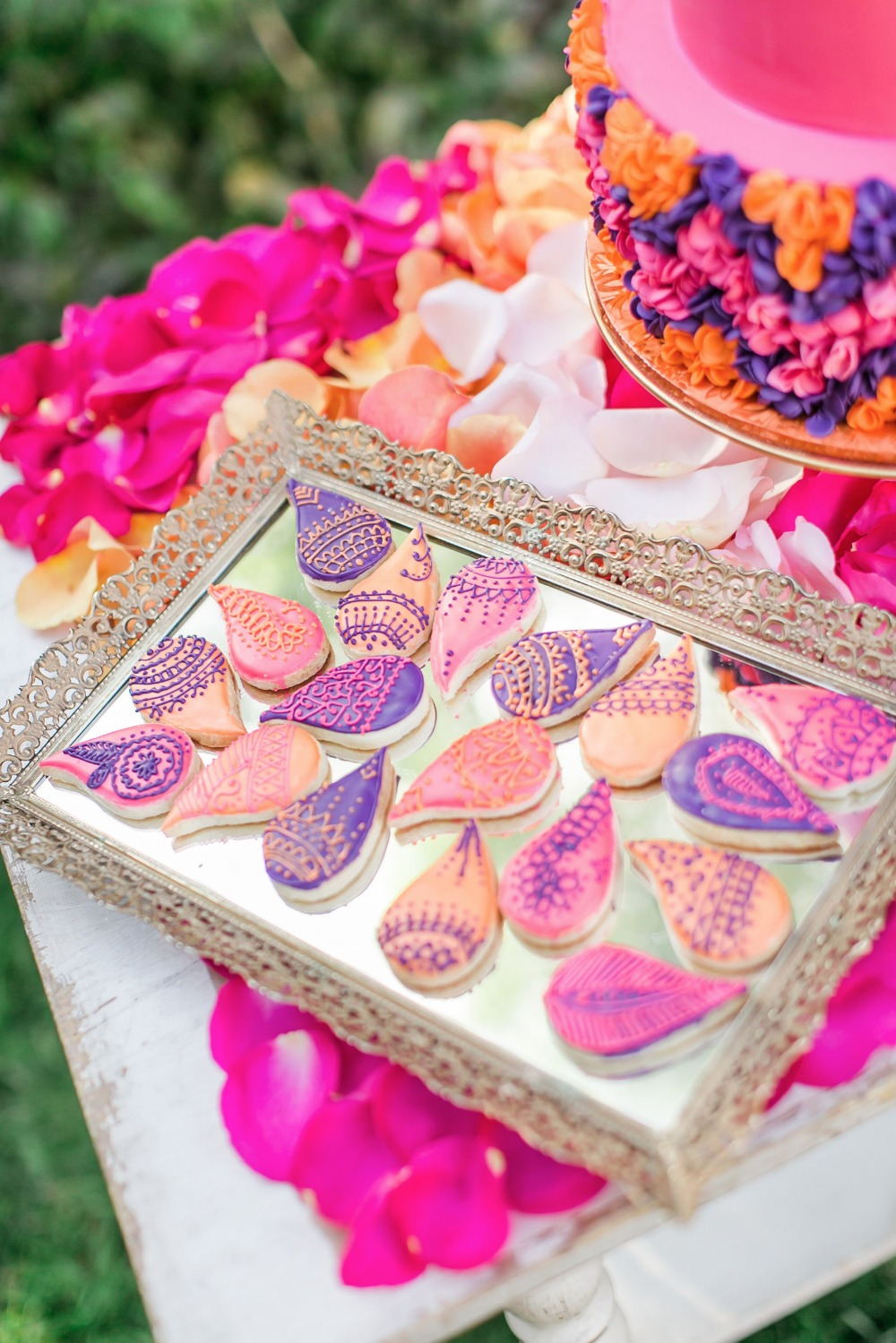 Gorgeous cookies with henna pipping
