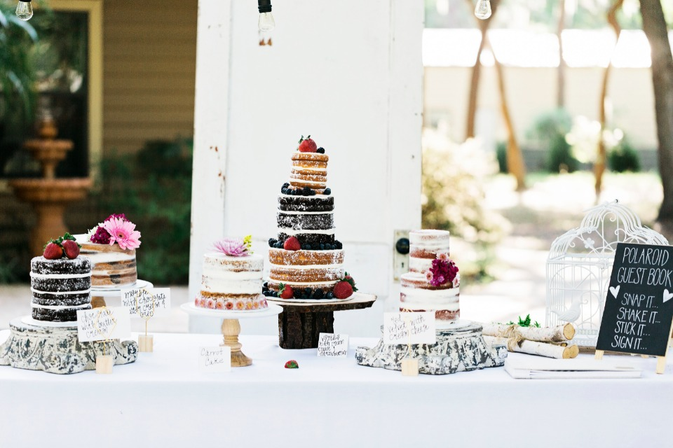 naked cake buffett wedding cake table