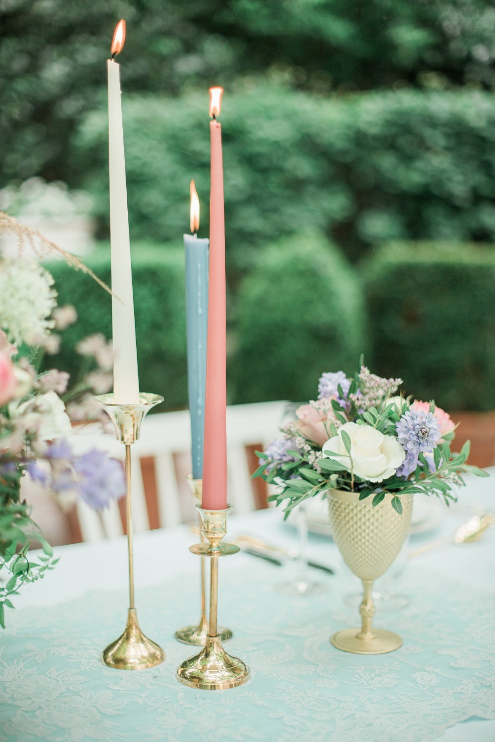 Pink blue and white wedding decor
