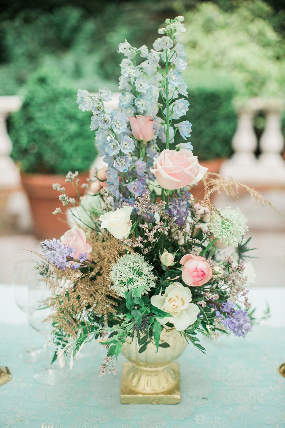 Beautiful pink and blue centerpiece