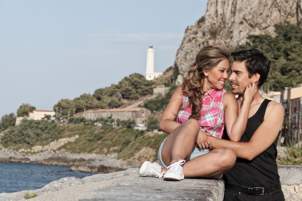 Seaside engagement shoot in Italy