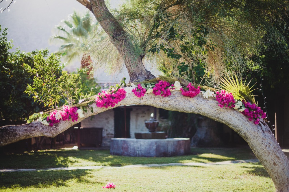 Ceremony background arch