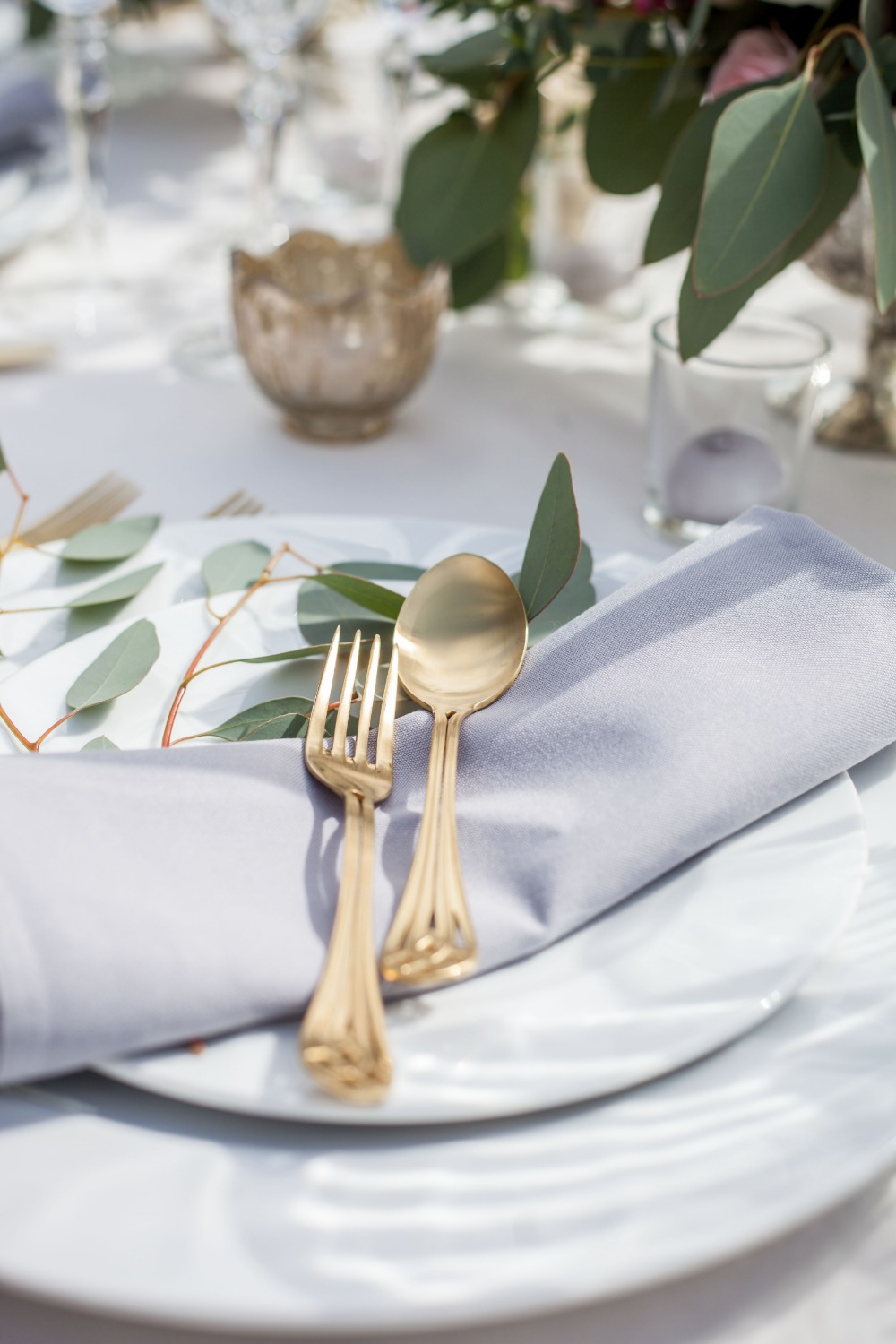 Gold tablesettings