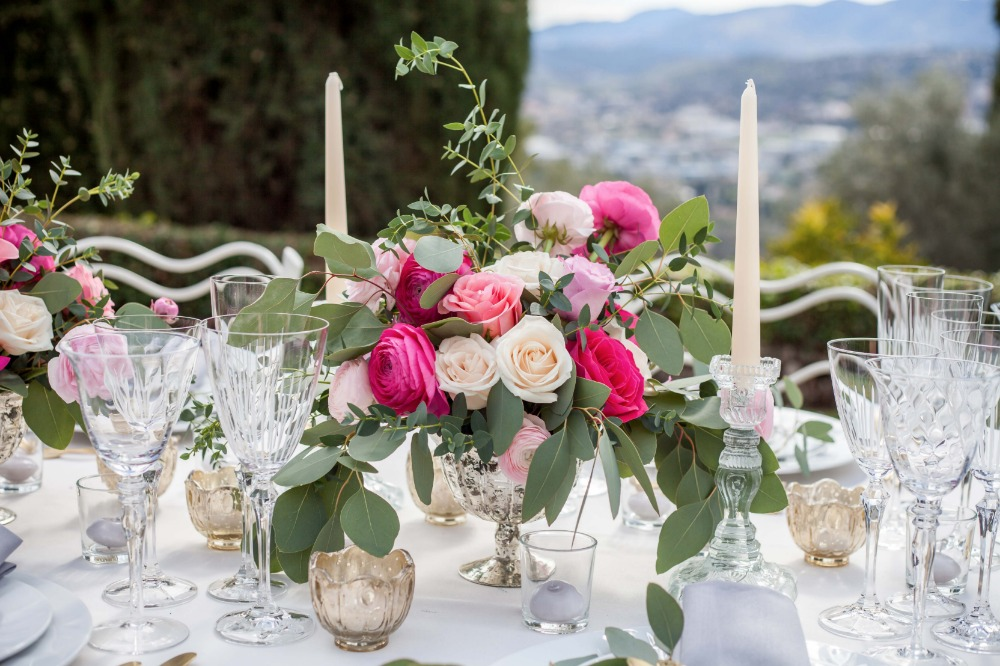Shades of pink rose centerpiece