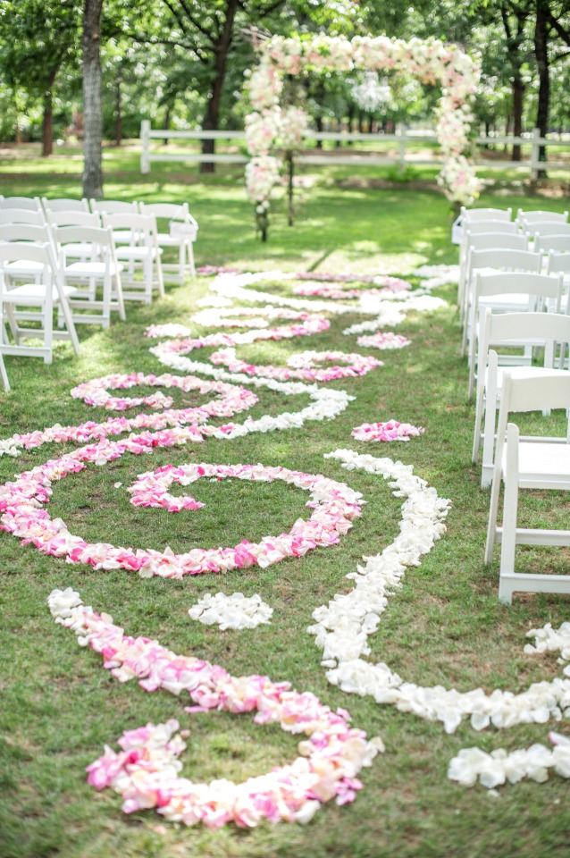 beautiful spiral floral aisle art