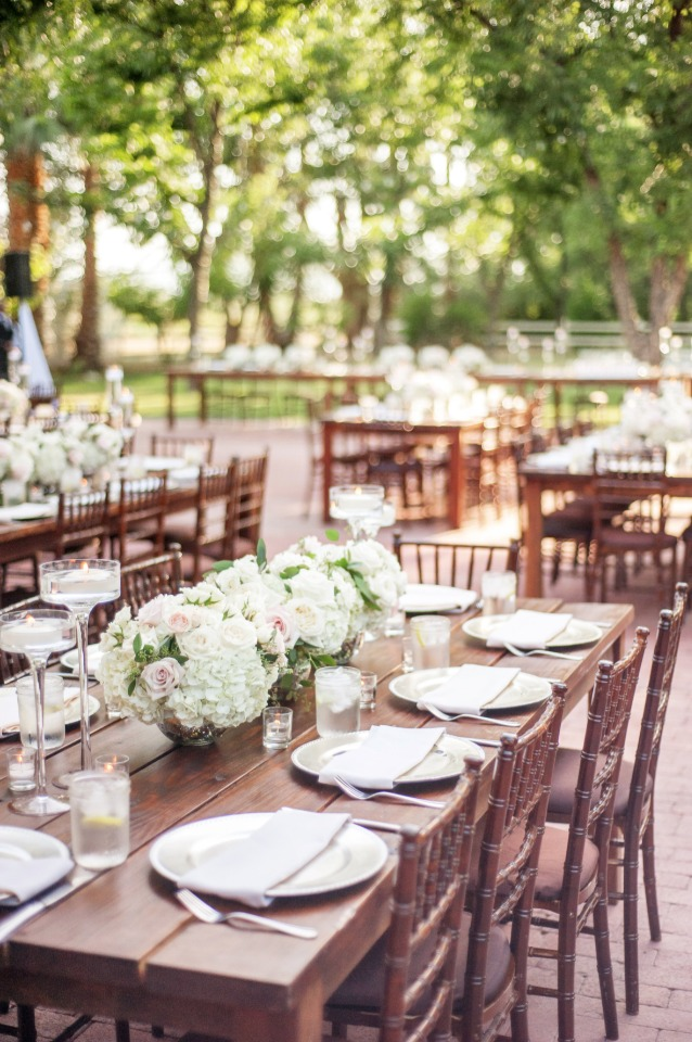 formal dinner for an outdoor reception
