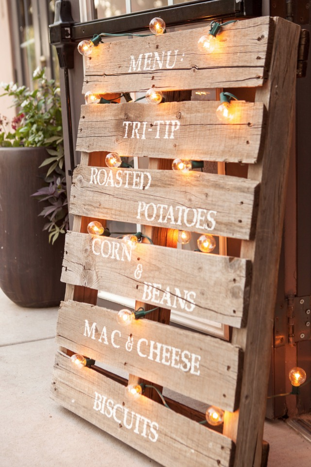 wood pallet dinner menu sign
