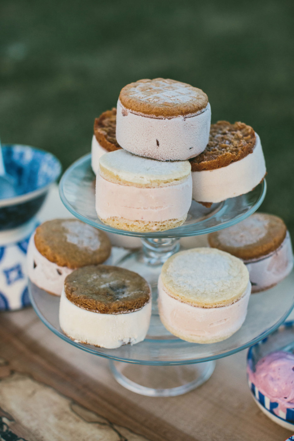 ice cream sandwiches at your wedding