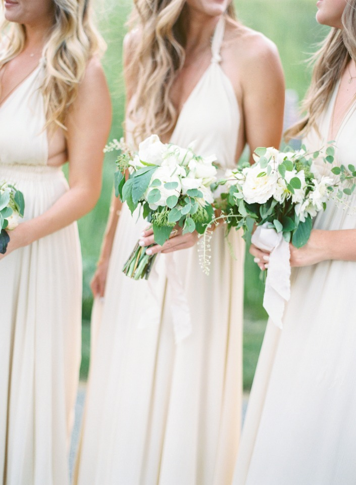white bouquets for bridesmaids