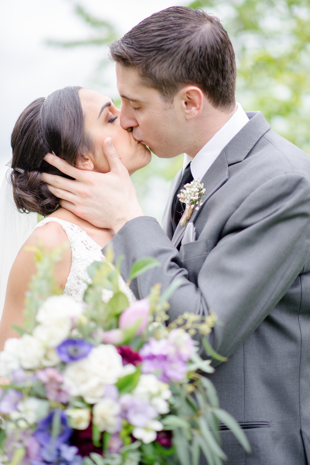 wedding kiss beautiful photography