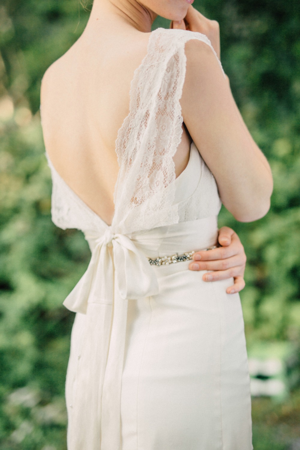 Lacey bow back dress detail