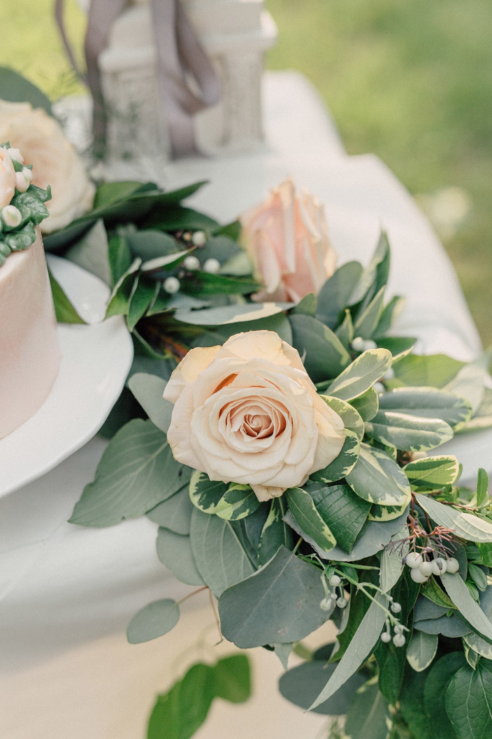 Table floral garland idea