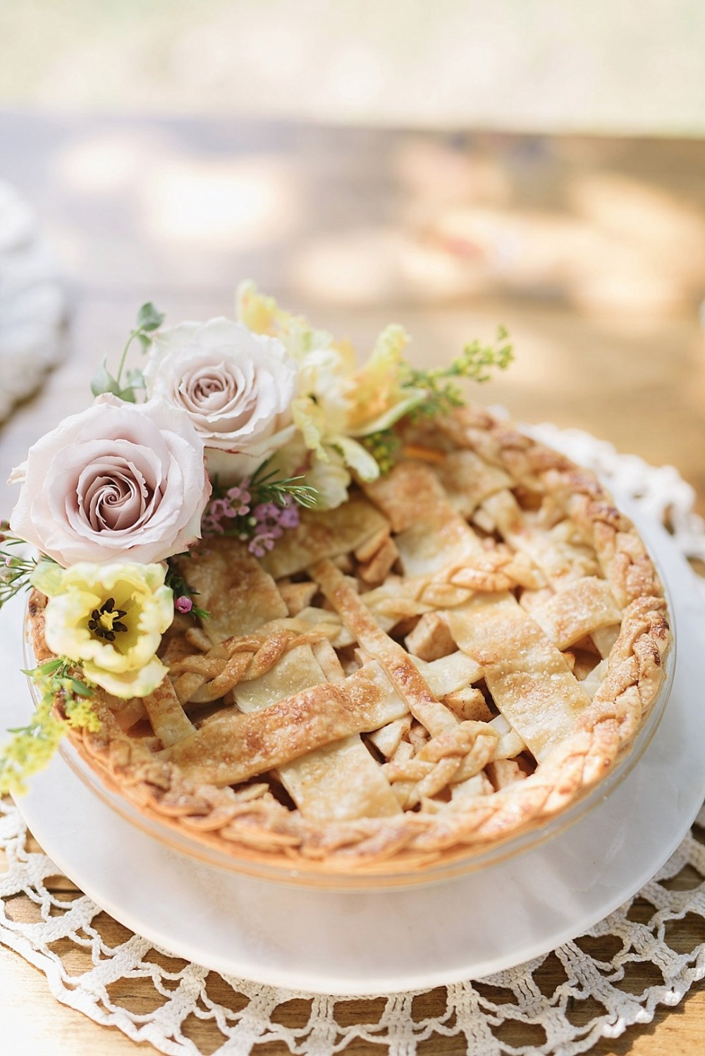Gorgeous pie with floral details