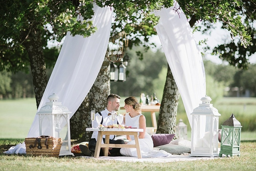 Picnic style sweetheart table for two