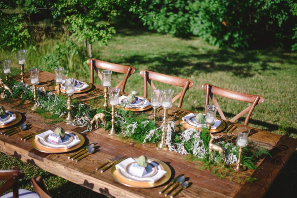 rustic and organic wedding table decor