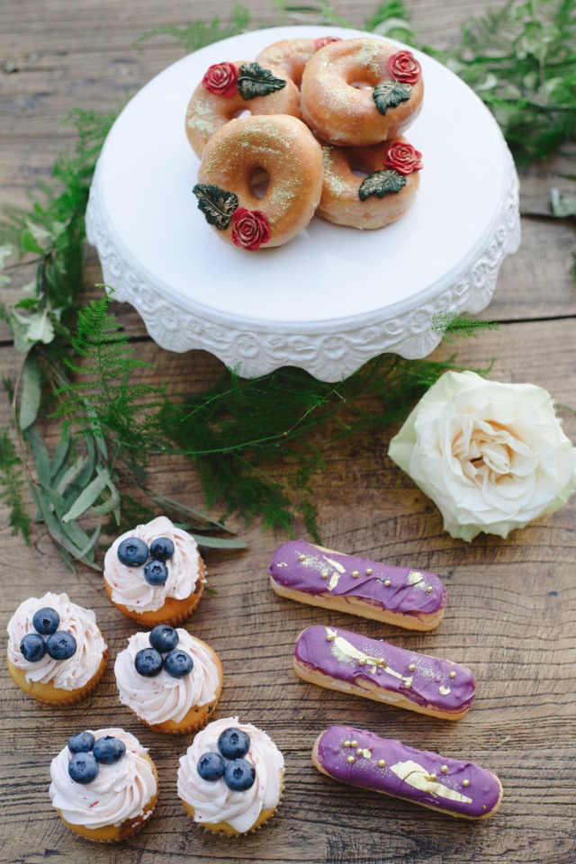 pretty little wedding desserts