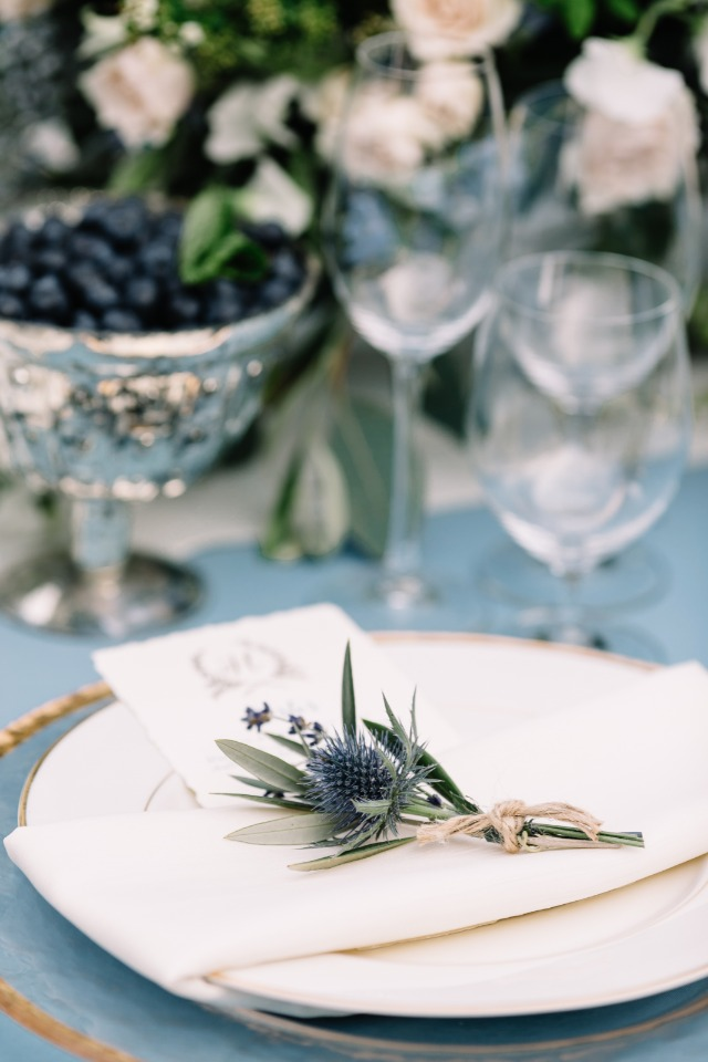 blue thistle place setting decor