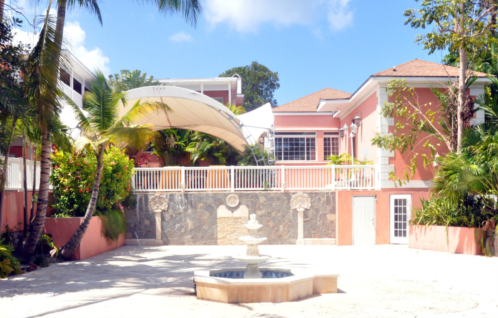 wedding venue courtyard in the bahamas