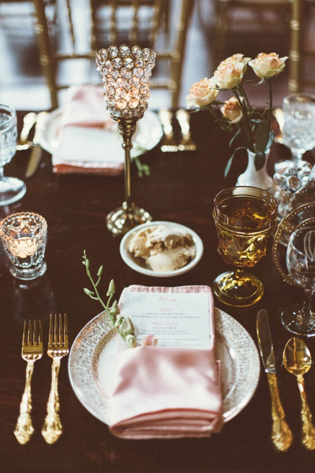 elegant and vintage pink and gold table decor