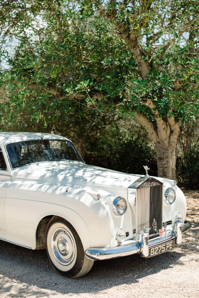 vintage white wedding car