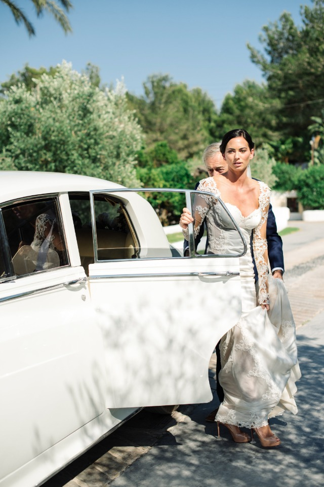 arriving to the wedding ceremony in style