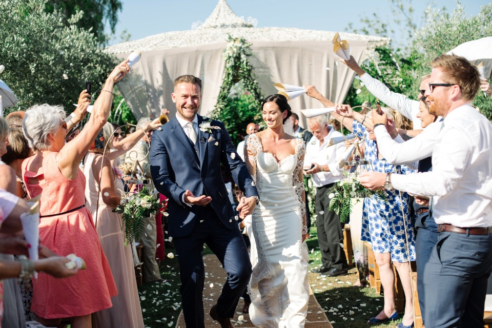 flower petal toss for the newlyweds