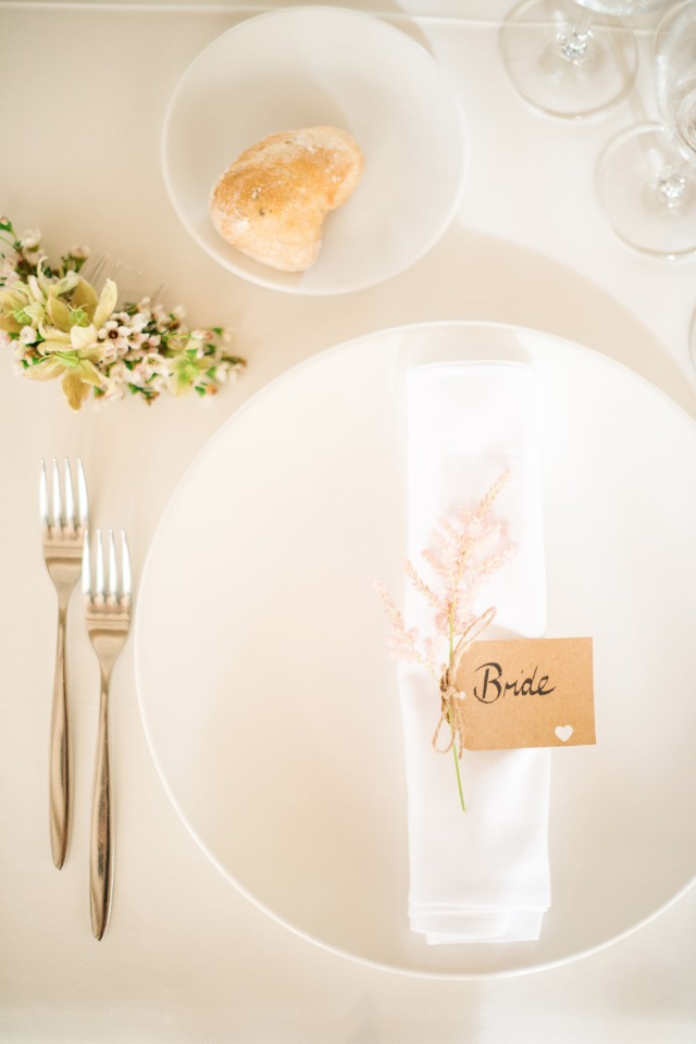 simple modern and romantic place setting