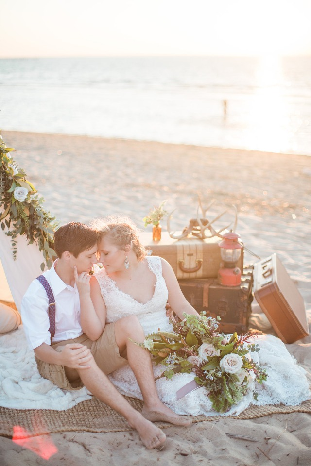 sunset beach photo ideas for vintage rustic bride and groom