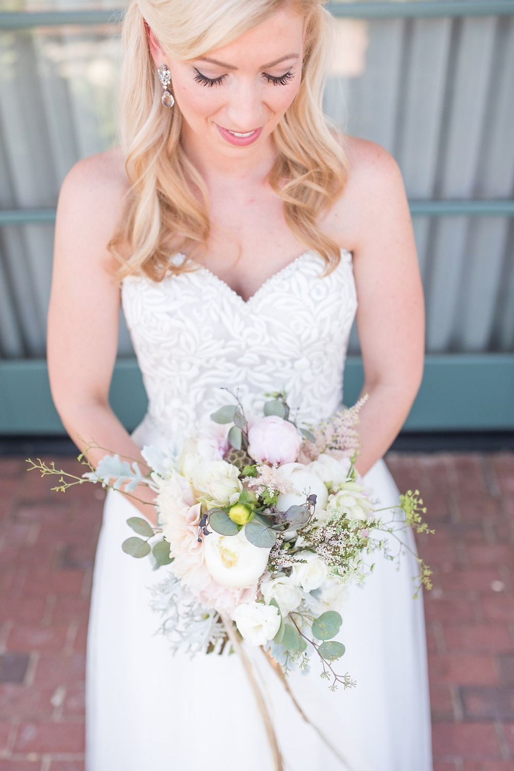 rustic and organic bridal bouquet