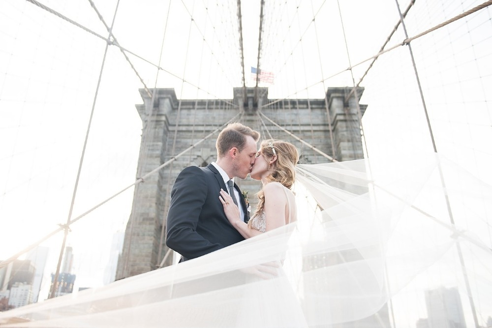 Brooklyn bridge wedding photo idea