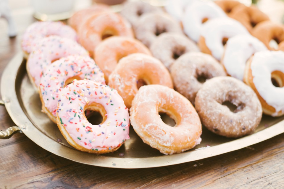 donut make us choose.